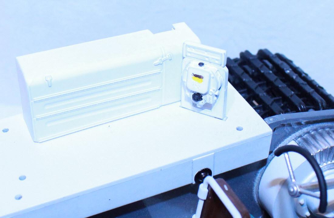 гирокомпас и ящик установлены