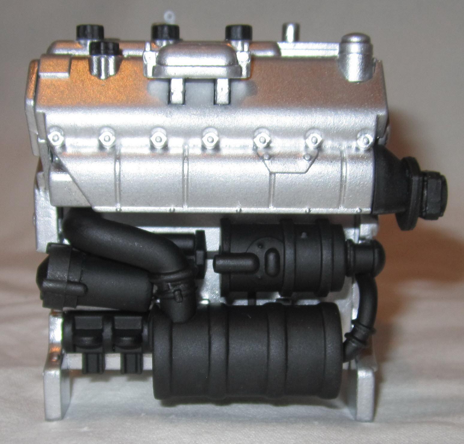 двигатель слева