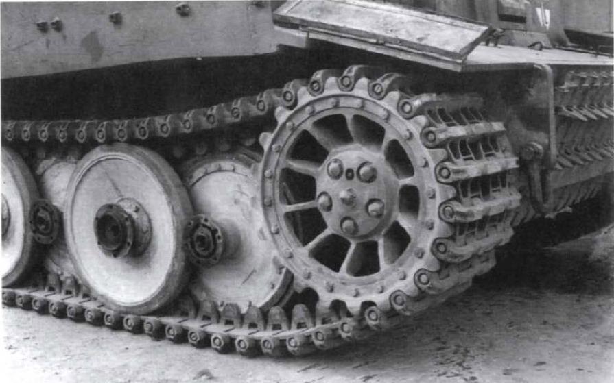 07 Тигр на транспортных гусеницах
