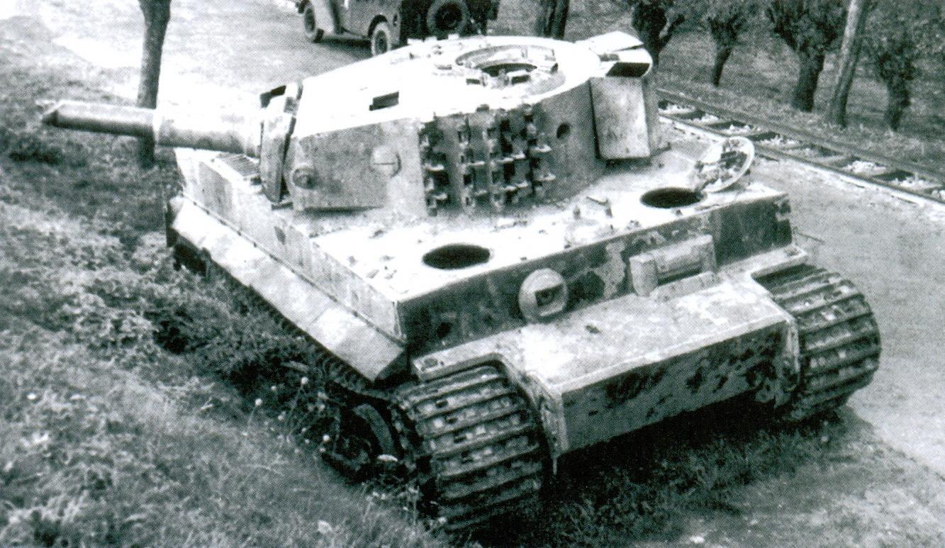 1 брошенный танк тигр