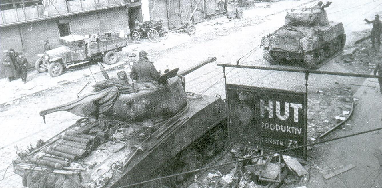 12 Американские танки «Шерман»