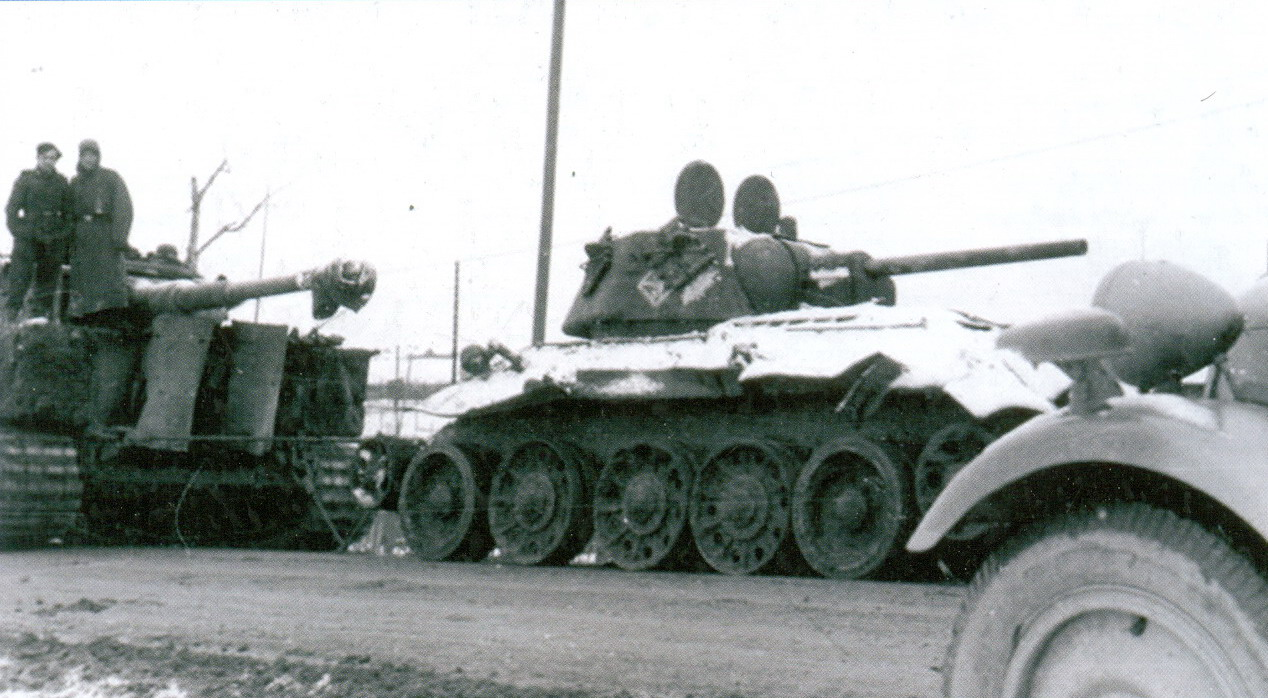 25 tiger_and_t-34