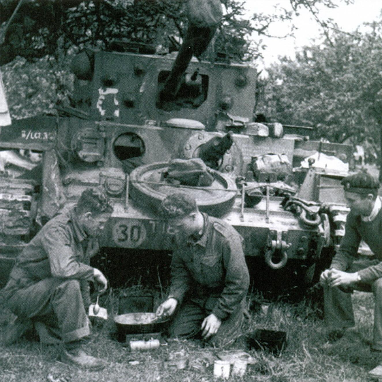 30 Экипаж танка «Кромвель»