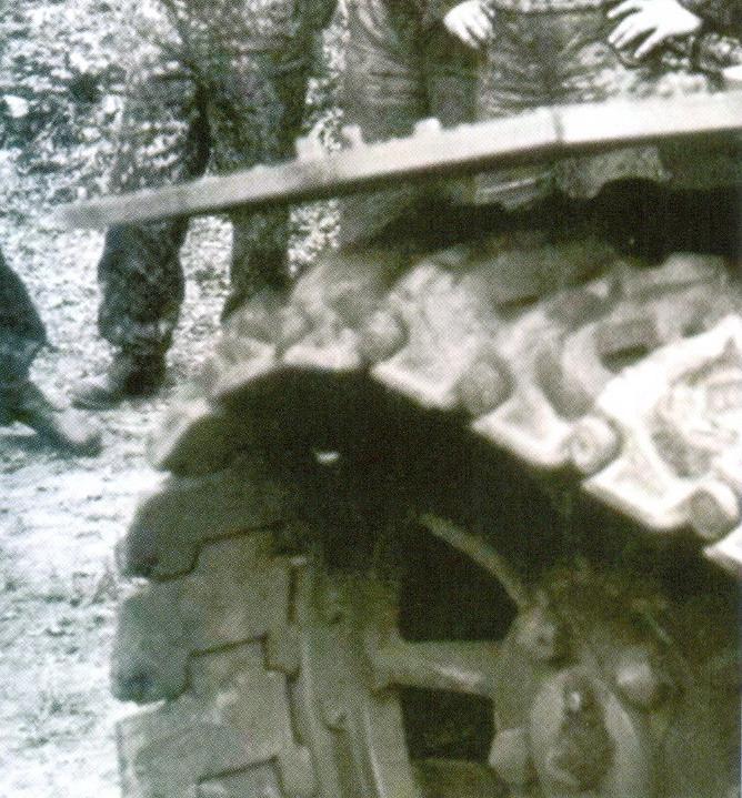 38 Ведущее колесо «Тигра» и гусеница поздней модели