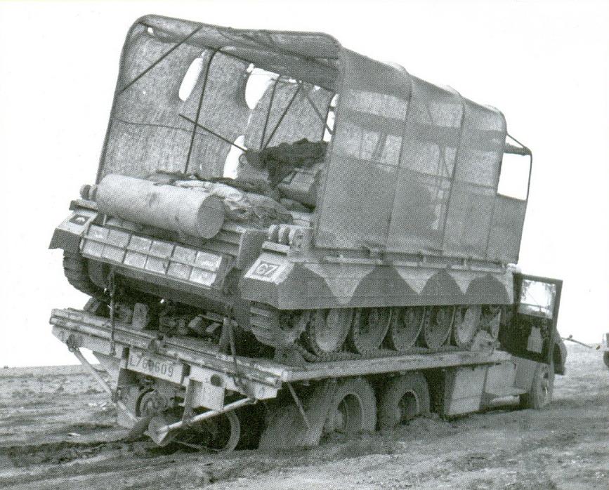 8 «Крусейдер» на грузовой платформе