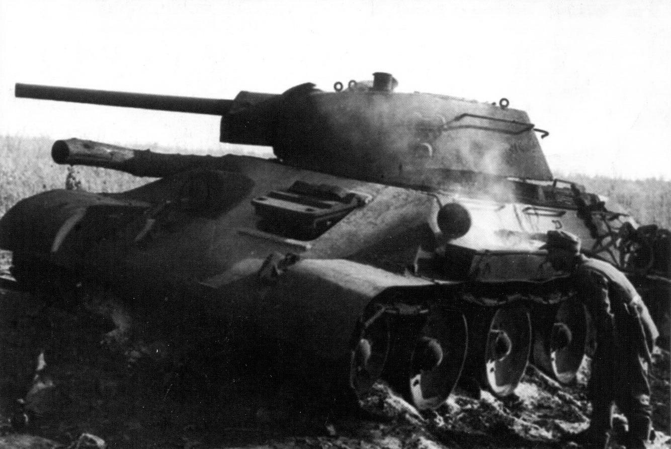 8 podbitiy_T-34